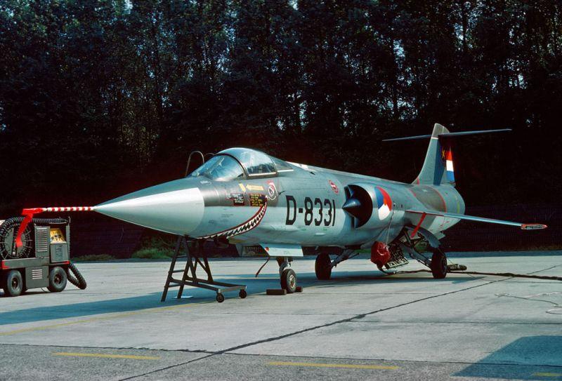 F104G_D8331_312sq_EHTW_15SEP1979_met_haaiebek_Capt._Hans_van_de_Werf_modelbrouwers.jpg