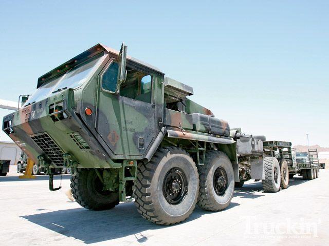 Amerikanische Trucks » OSHKOSH MK48/16 + M870A2 1:24
