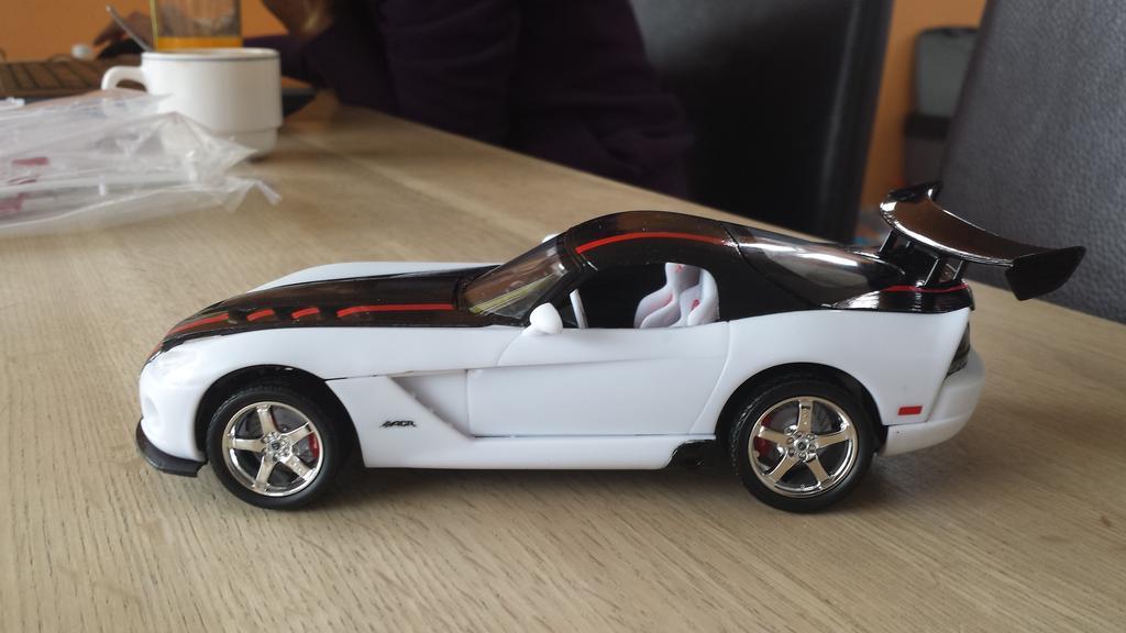 Modelbrouwers Nl Modelbouw Toon Onderwerp Revell Dodge Viper Srt 10 Acr